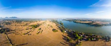 Εναέριος πανοραμικός ποταμός Μεκόνγκ 4000 νησιών στο Λάος, Phi λι καταρράκτες, διάσημος προορισμός ταξιδιού backpacker στη Νοτιοα στοκ φωτογραφία με δικαίωμα ελεύθερης χρήσης