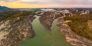 Εναέριος πανοραμικός ποταμός Μεκόνγκ 4000 νησιών στο Λάος, Phi λι καταρράκτες, διάσημος προορισμός ταξιδιού backpacker στη Νοτιοα στοκ εικόνες