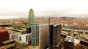 Εναέριος πύργος Agbar άποψης κηφήνων της Βαρκελώνης απόθεμα βίντεο