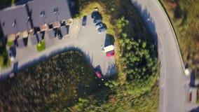 Εναέριος συλλάβετε της κυκλικής κίνησης στο Τρόντχαιμ, Νορβηγία, από επάνω προς τα κάτω άποψη στο χώρο στάθμευσης φιλμ μικρού μήκους