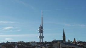 Εναέριος τηλεοπτικός πύργος κηφήνων στην Πράγα, Δημοκρατία της Τσεχίας απόθεμα βίντεο