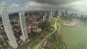 Εναέριο μήκος σε πόδηα της άκρης της πόλης του Παναμά απόθεμα βίντεο