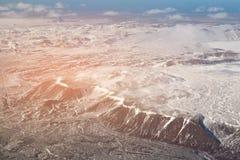 Εναέριο μαύρο βουνό άποψης με το χιόνι, Ισλανδία Στοκ Φωτογραφία