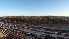 Εναέριο ναυπηγείο τραίνων γειτονιάς του Πόρτλαντ απόθεμα βίντεο