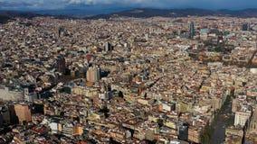 Εναέριο πανόραμα άποψης στη Βαρκελώνη Ισπανία από το γοτθικό τέταρτο στο κέντρο με Sagrada τις δόξες Torre Agbar familia και Torr φιλμ μικρού μήκους