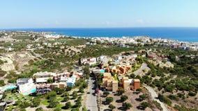Εναέριο πανόραμα στην πόλη της Ελλάδας και τη θάλασσα, Κρήτη φιλμ μικρού μήκους