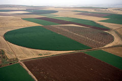 εναέριο τοπίο πεδίων αγρ&omicro Στοκ εικόνες με δικαίωμα ελεύθερης χρήσης
