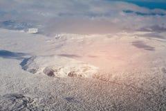 Εναέριο χιονισμένο βουνό άποψης, Ισλανδία Στοκ Εικόνες