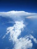 Εναέριο cloudscape του σύννεφου, cumulonimbus και του μπλε ουρανού θύελλας. Στοκ φωτογραφία με δικαίωμα ελεύθερης χρήσης