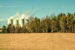 Εναλλακτικές λύσεις της πυρηνικής ενέργειας Στοκ Εικόνες