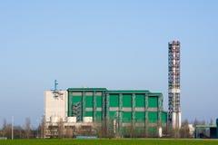 Ενεργειακή βιομηχανία εργοστασίων αποτεφρωτήρων αποβλήτων Στοκ φωτογραφία με δικαίωμα ελεύθερης χρήσης
