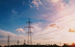 Ενεργειακός πυλώνας πύργων μετάδοσης υψηλής τάσης ηλεκτρικός Στοκ φωτογραφία με δικαίωμα ελεύθερης χρήσης