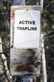 Ενεργό σημάδι Trapline στο δάσος Στοκ Εικόνες