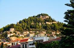 Ενετικό κάστρο επάνω από την πόλη Nafpaktos, Ελλάδα στοκ φωτογραφία με δικαίωμα ελεύθερης χρήσης
