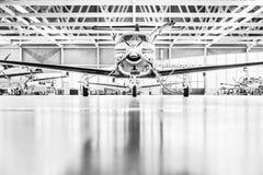 Ενιαία turboprop αεροσκάφη Pilatus PC-12 στο υπόστεγο S Στοκ Φωτογραφία
