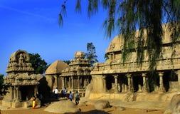 Ενιαίες σμιλευμένες πέτρα αίθουσες στο mahabalipuram- πέντε rathas Στοκ εικόνες με δικαίωμα ελεύθερης χρήσης