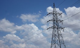 Ενιαίοι πόλοι ηλεκτρικής ενέργειας Στοκ Φωτογραφίες