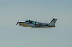Ενιαίο αεροπλάνο μηχανών Beechcraft στοκ εικόνα με δικαίωμα ελεύθερης χρήσης