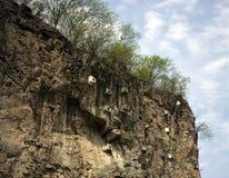 ενισχυμένος πρόσωπο βράχος απότομων βράχων Στοκ Φωτογραφίες