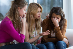 Ενισχυτικός φωνάζοντας φίλος στοκ εικόνα με δικαίωμα ελεύθερης χρήσης