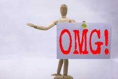 Εννοιολογική έμπνευση τίτλων κειμένων γραψίματος χεριών που παρουσιάζει σε OMG OH επιχειρησιακή έννοια Θεών μου για το αιφνιδιαστ Στοκ Εικόνες
