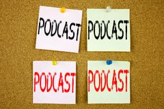 Εννοιολογική έμπνευση τίτλων κειμένων γραψίματος χεριών που παρουσιάζει επιχειρησιακή έννοια Podcast για την έννοια ραδιοφωνικής  Στοκ φωτογραφία με δικαίωμα ελεύθερης χρήσης