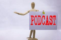 Εννοιολογική έμπνευση τίτλων κειμένων γραψίματος χεριών που παρουσιάζει επιχειρησιακή έννοια Podcast για την έννοια ραδιοφωνικής  Στοκ φωτογραφίες με δικαίωμα ελεύθερης χρήσης