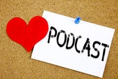Εννοιολογική έμπνευση τίτλων κειμένων γραψίματος χεριών την έννοια Podcast για την έννοια ραδιοφωνικής αναμετάδοσης Διαδικτύου κα Στοκ Φωτογραφία