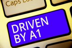 Εννοιολογική παρουσίαση γραψίματος χεριών Drive από το Α1 Κίνηση επίδειξης επιχειρησιακών φωτογραφιών ή ελεγχόμενος από έναν οδηγ στοκ εικόνα