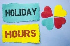 Εννοιολογικό χέρι που γράφει παρουσιάζοντας διακοπές ώρες Έξτρα χρόνος Openi πωλήσεων χρονικών εποχιακός μεσάνυχτων εορτασμού επί Στοκ φωτογραφία με δικαίωμα ελεύθερης χρήσης