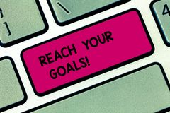 Εννοιολογικό χέρι που γράφει παρουσιάζοντας στην προσιτότητα στόχους σας Η επίδειξη επιχειρησιακών φωτογραφιών επιτυγχάνει τι θελ στοκ εικόνα