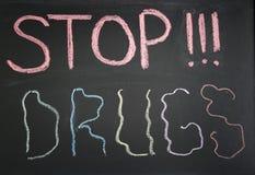 Εννοιολογικά ναρκωτικά σημαδιών στάσεων στοκ φωτογραφία με δικαίωμα ελεύθερης χρήσης