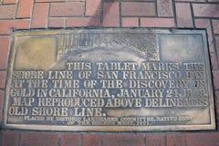 Ενσωματωμένος πεζοδρόμιο χάρτης που παρουσιάζει αρχική ακτή του παλαιού Σαν Φρανσίσκο στοκ εικόνες