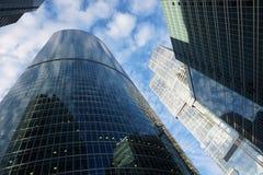 Ενσωματώνοντας την πόλη της Μόσχας απεικονίστε ο ένας τον άλλον Expocenter στοκ φωτογραφίες με δικαίωμα ελεύθερης χρήσης