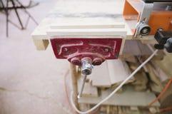 Εντορμώντας συσκευή για tenon συνδέσεων τελών στοκ φωτογραφία με δικαίωμα ελεύθερης χρήσης