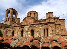 Εντυπωσιακή εκκλησία πίσω από τον οδοντωτό - καλώδιο, εκκλησία του Ljevisa Virgin σε Prizren, Κόσοβο Στοκ Φωτογραφία