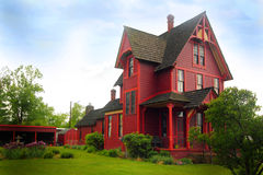 Εντυπωσιακό ιστορικό αγροτικό σπίτι Στοκ φωτογραφίες με δικαίωμα ελεύθερης χρήσης
