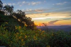 Εντυπωσιακό τοπίο κατά τη διάρκεια του ηλιοβασιλέματος από την άποψη Kiew Lom, περιοχές Mapa πόνων, γιος της Mae Hong, βόρεια Ταϊ στοκ εικόνες με δικαίωμα ελεύθερης χρήσης