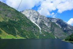 Εντυπωσιακό φιορδ Nærøyfjord στη Νορβηγία Σκανδιναβία στοκ φωτογραφία με δικαίωμα ελεύθερης χρήσης
