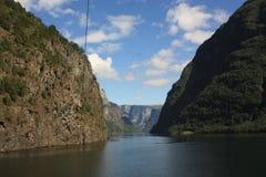 Εντυπωσιακό φιορδ Nærøyfjord στη Νορβηγία Σκανδιναβία στοκ φωτογραφία