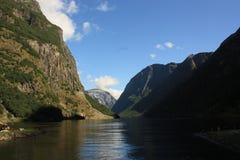 Εντυπωσιακό φιορδ Nærøyfjord στη Νορβηγία Σκανδιναβία στοκ εικόνα με δικαίωμα ελεύθερης χρήσης