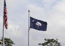 Ενωμένο κράτος της σημαίας της Αμερικής και της σημαίας της νότιας Καρολίνας Στοκ εικόνα με δικαίωμα ελεύθερης χρήσης