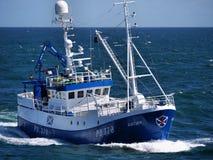 Εν εξελίξει εν πλω αλιευτικών σκαφών στοκ εικόνα