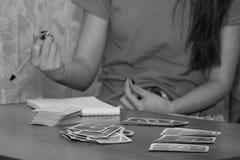 Ενδιαφέρον παιχνίδι καρτών διασκέδασης, ελεύθερος χρόνος Στοκ Εικόνες
