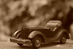δεν χρησιμοποιημένος σωστά ως τρύγος παιχνιδιών φωτογράφων αυτοκινήτων αγοριών Στοκ φωτογραφία με δικαίωμα ελεύθερης χρήσης