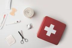 Εξάρτηση πρώτων βοηθειών με τα ιατρικά εφόδια Στοκ εικόνες με δικαίωμα ελεύθερης χρήσης