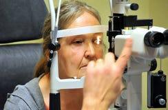 Εξέταση οφθαλμών Στοκ εικόνες με δικαίωμα ελεύθερης χρήσης