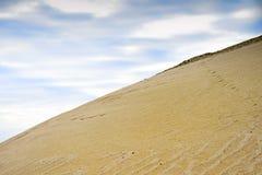 Εξαγωγή της άμμου, κοίλωμα άμμου με το νερό Στοκ εικόνες με δικαίωμα ελεύθερης χρήσης