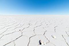 Εξαγωνικές μορφές στο αλατισμένο επίπεδο Uyuni, Βολιβία Στοκ φωτογραφία με δικαίωμα ελεύθερης χρήσης
