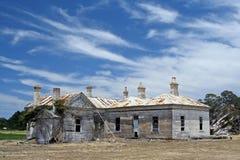 εξαθλιωμένο αγροτικό σπίτι παλαιό Στοκ εικόνες με δικαίωμα ελεύθερης χρήσης